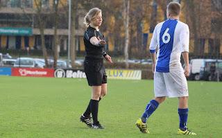 arbitros-futbol-mevr.-Van-der-Helm.