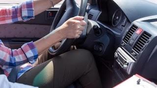 Υπερβολική χρήση κινητού και νεύρα για τους Έλληνες οδηγούς