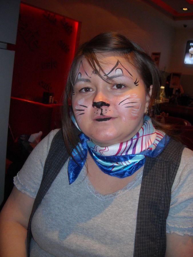 Picturi Pe Faţă Cu Pisici Motani Motanul încălţat La Cinema