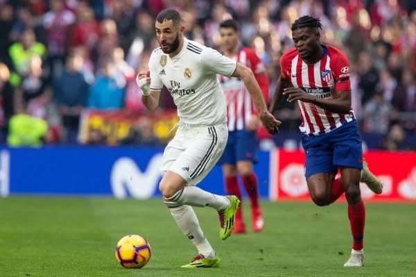 بنزيما يقود هجوم ريال مدريد في الديربي