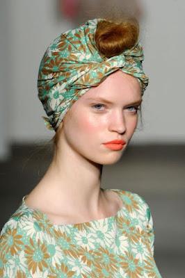 Penteados com lenço para te inspirar