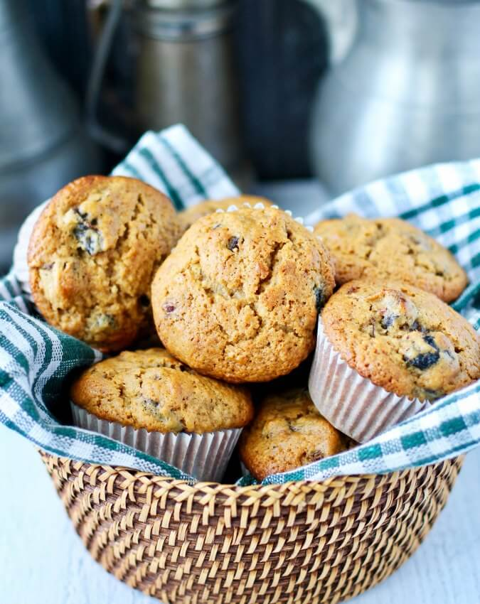 Date, Prune, and Dried Cherry Muffins with apple juice