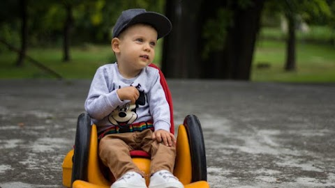 Jó hírrel jelentkezett az SMA-s Levike anyukája: elképesztő dolgokat csinál a kisfiú a génterápiás kezelés után – videó