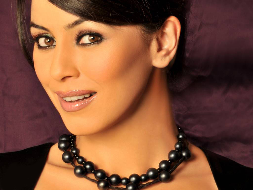 Photos Hot Pictures Sexy Wallpapers Mahima Chaudhary Gallery-5503