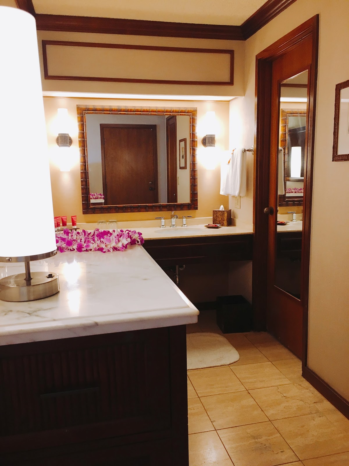 Hyatt Regency king bathroom