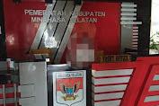Warna Merah Mulai Hadir di Kantor Pemerintahan Minsel,FDW Ingatkan Tugas ASN