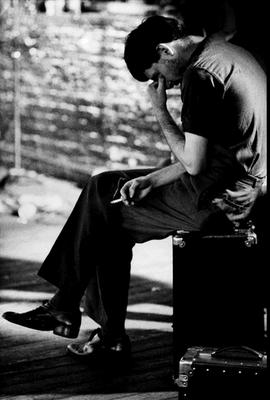 Fotografia de Ian Curtis, ex vocalista da banda Joy Division