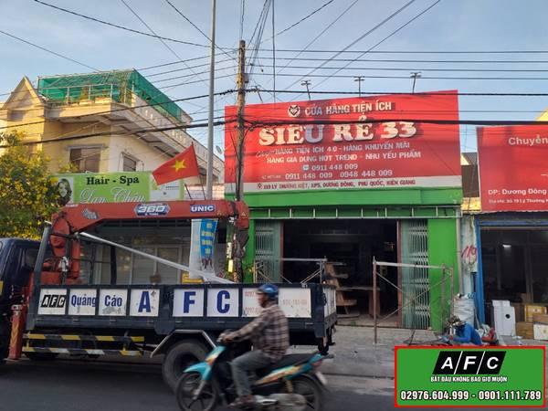 Thi công bảng hiệu Alu mặt dựng Alu giá rẻ tại Phú Quốc
