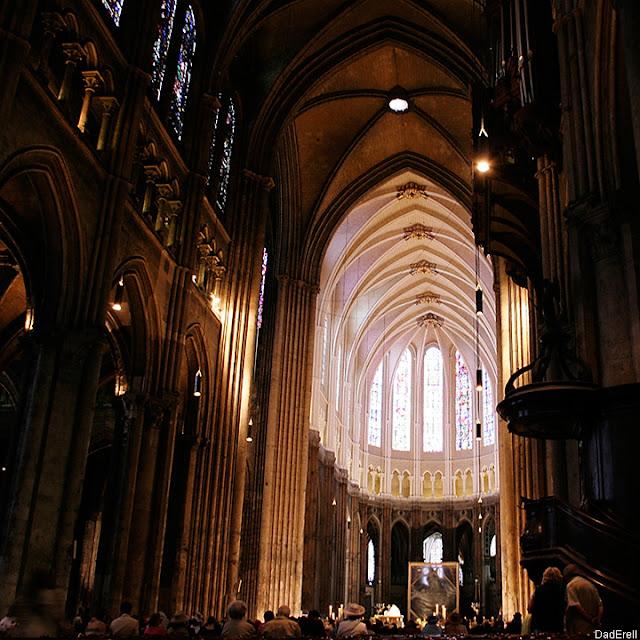 Nef et chœur de la Cathédrale de Chartres