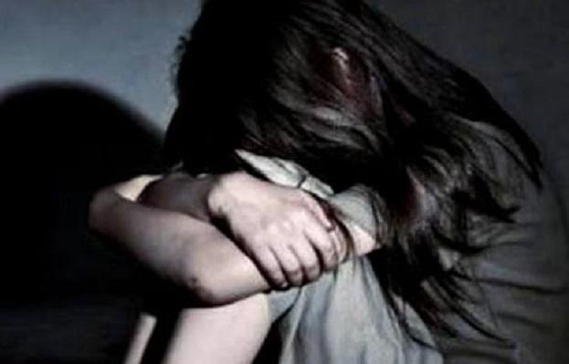 Renggut Keperawanan Gadis Desa, Pak Kades Akhirnya Dilaporkan Ke Polisi