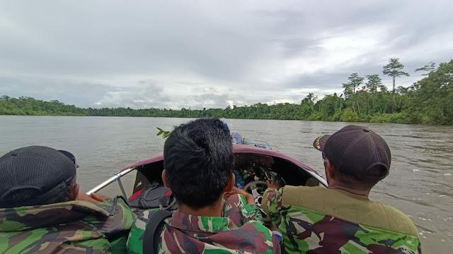 Kembali ke Home Base, Personil Satgas TMMD Gunakan Long Boat dan Speed Boat