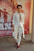 Taapsee Pannu Looks Super Cute in White Kurti and Trouser 20.JPG