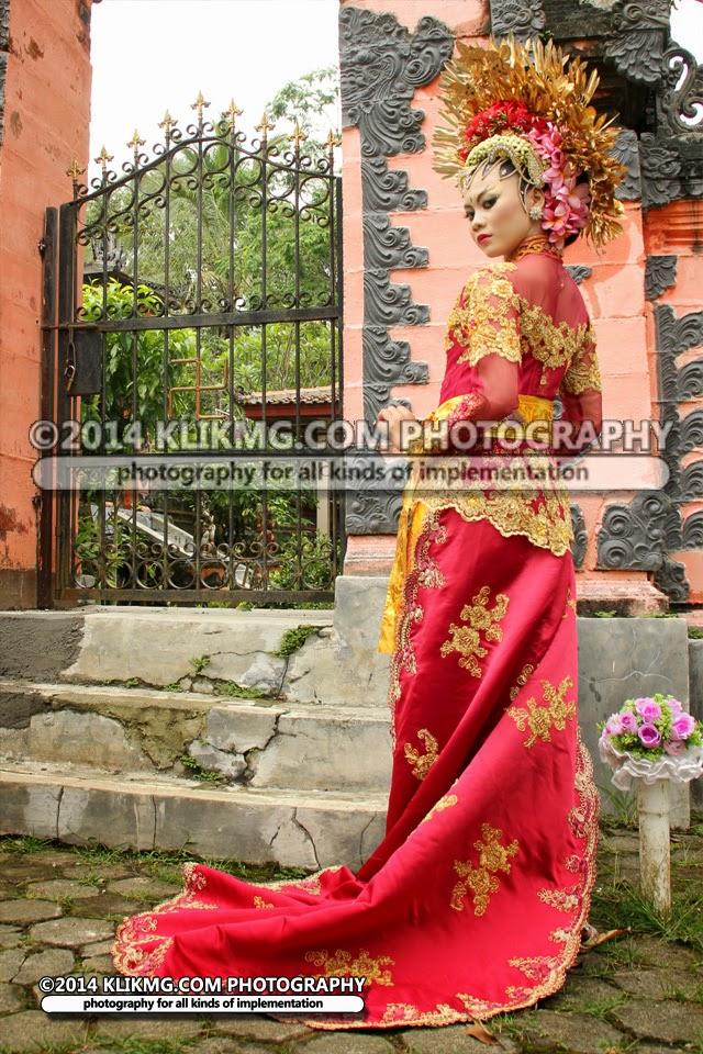 Rias Pengantin : PAES AGENG Modifikasi BALI - [ Session 1 ] - Tata Rias & Busana oleh TUNJUNG BIRU Rias Pengantin Purwokerto | Talent : Trez | Foto oleh : KLIKMG Fotografi
