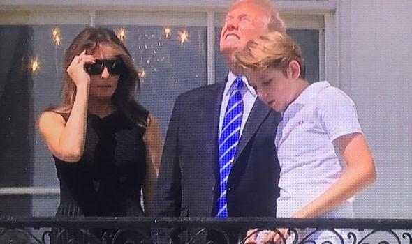 بالفيديو.. ترامب يتابع كسوف الشمس بدون نظارات واقية