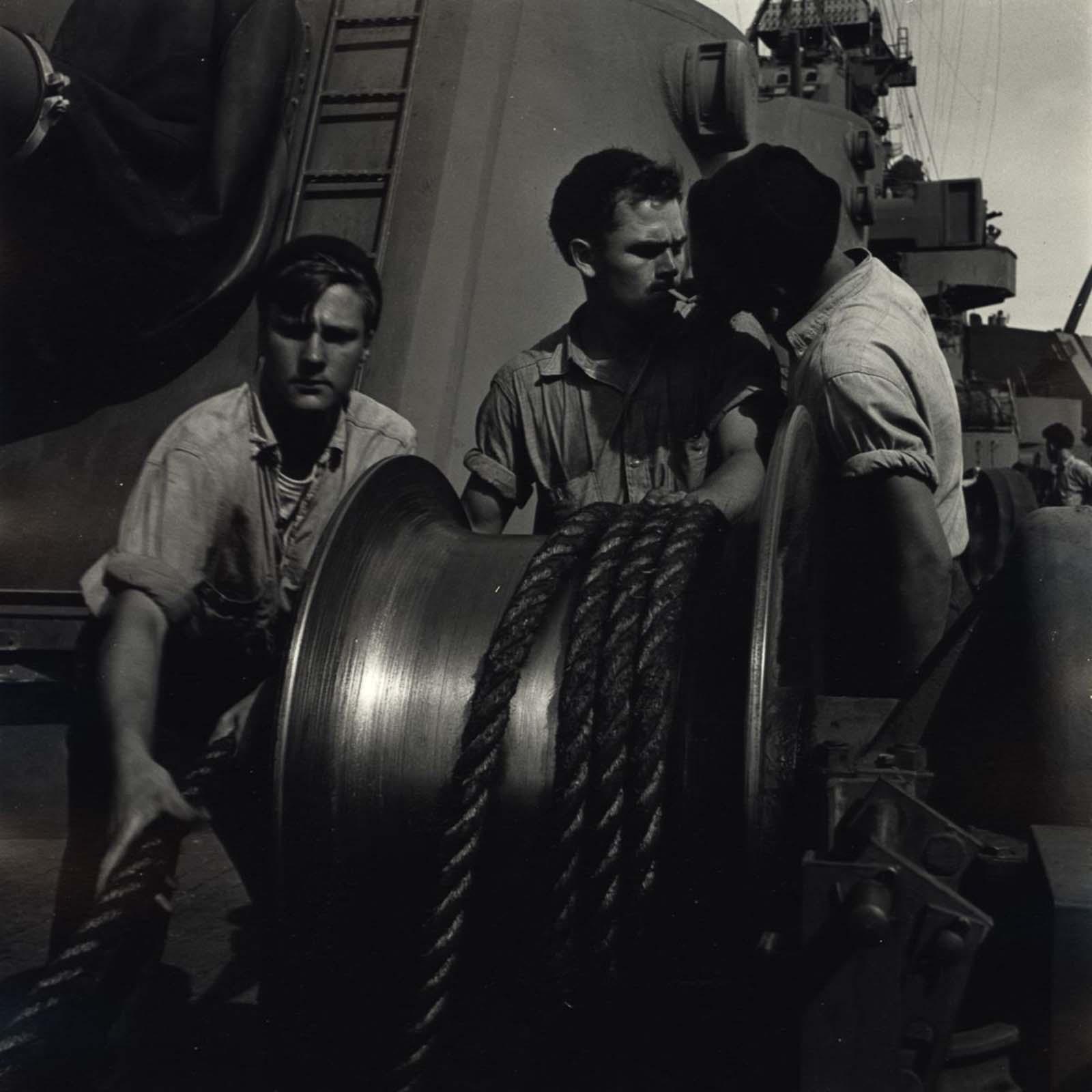 La vida cotidiana en un barco de la Armada, 1942-1945