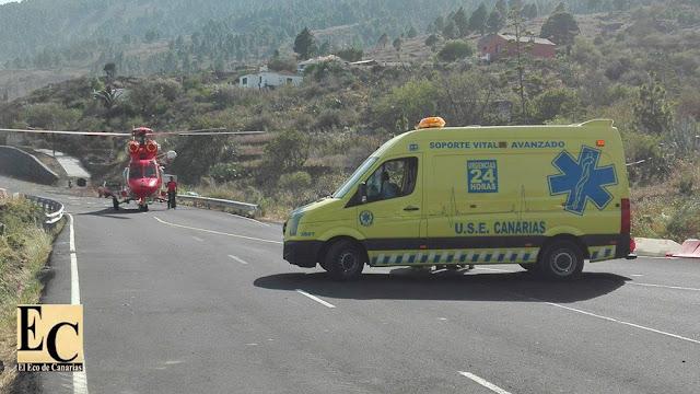 Piloto y copiloto de helicóptero caído en la Palma evacuados a hospital