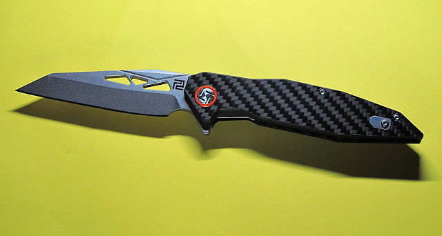 Cygnus knife