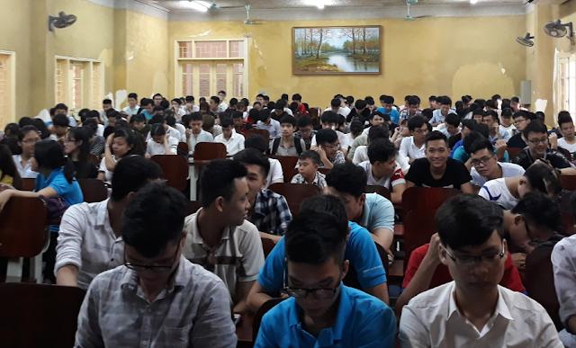 Sinh viên Đại học Khoa học Tự nhiên làm quen với 'Khoa học Mở với CMCN4.0'
