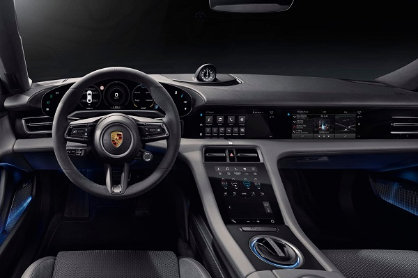 Interior Porsche Taycan Turbo S