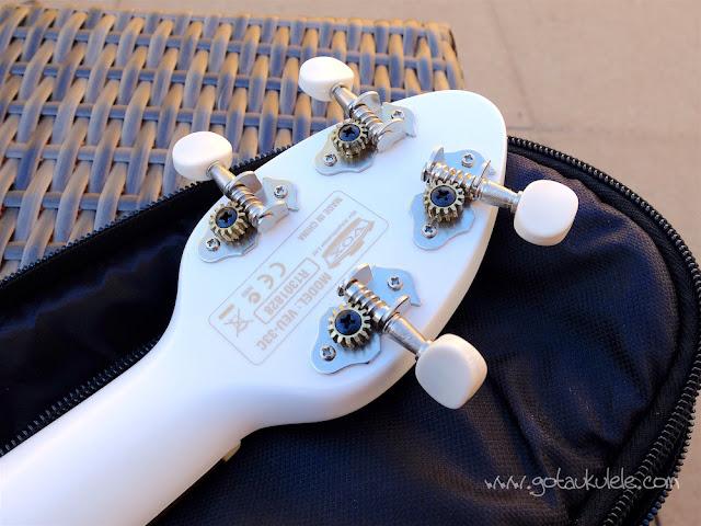 Vox Ukelectric 33 concert ukulele tuners