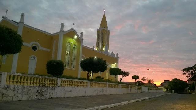 Igreja Matriz ao entardecer | Por Frank Carneiro