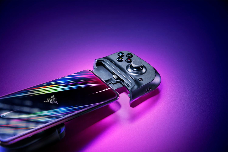 Disponibile in Italia Razer Kishi, case-controller gaming per smartphone