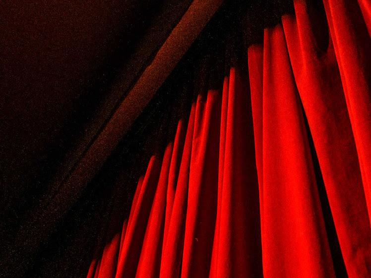 Teatro Sesc reabre cortinas com espetáculos do Encanto Coletivo Cultural