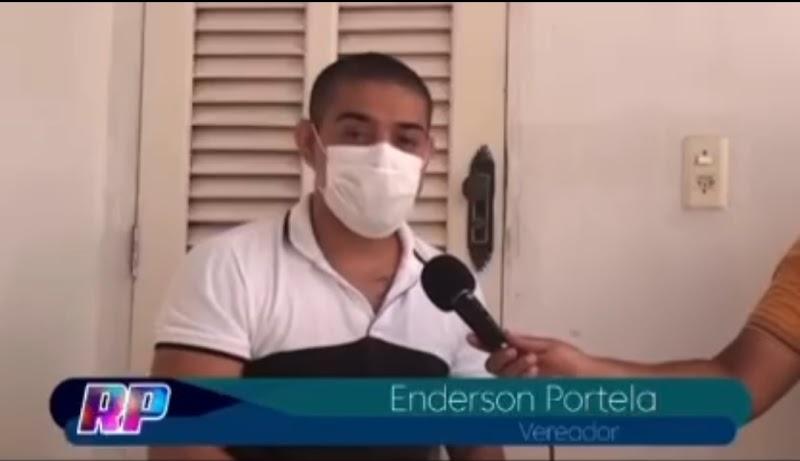 Vereador crítica saúde de Pedreiras, mas esquece da cidade que o irmão é prefeito e que não tem uma sala de parto.