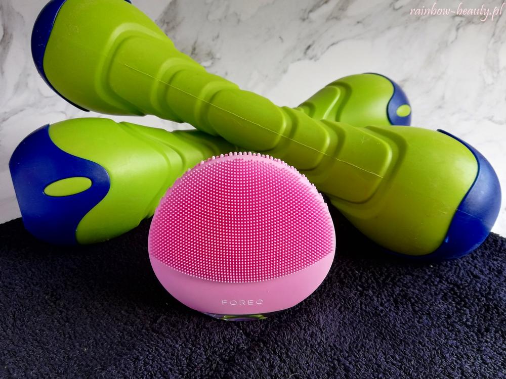 foreo luna mini 3 soniczna szczoteczka do oczyszczania twarzy po treningu ladowarka usb