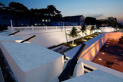 Vista da muralha norte da Fortaleza de Nossa Senhora da Assunção