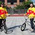 'Varo' Hernández y Alberto Moya enseñan cómo iniciarse en el BMX Freestyle Flatland
