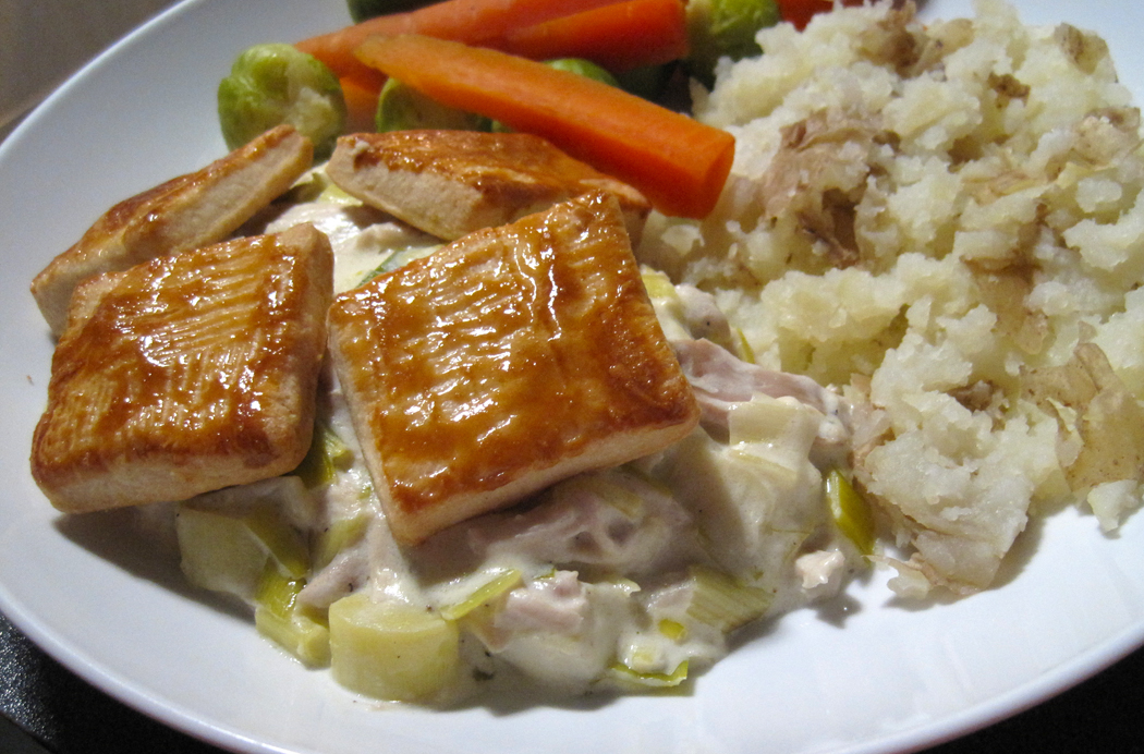 Creamy Chicken and Leek with a Pastry Top