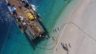 Sự phức tạp của việc lắp đặt cáp dưới nước để kết nối Internet