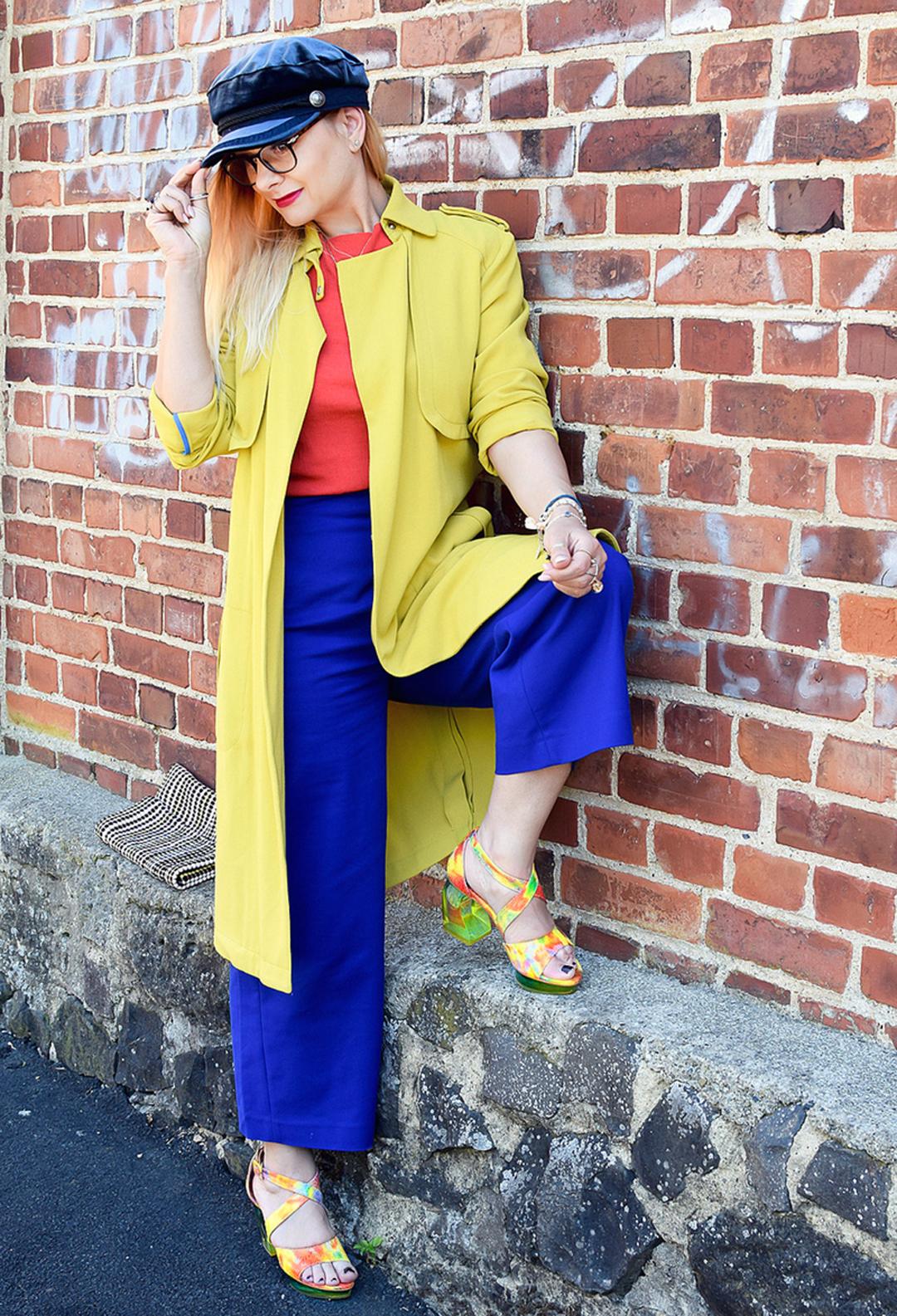 Colorblocking Look mit Sandalen von Tiggers, ausgefallene Schuhe für Damen
