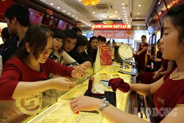 Giá vàng đột ngột tăng giá cao kỷ lục trong 6 năm