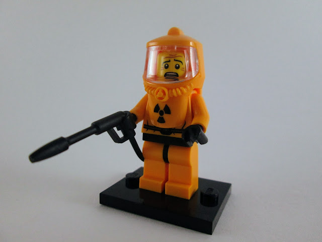 Set LEGO Minifigures Series 4 8804 - Hazmat Guy (13)