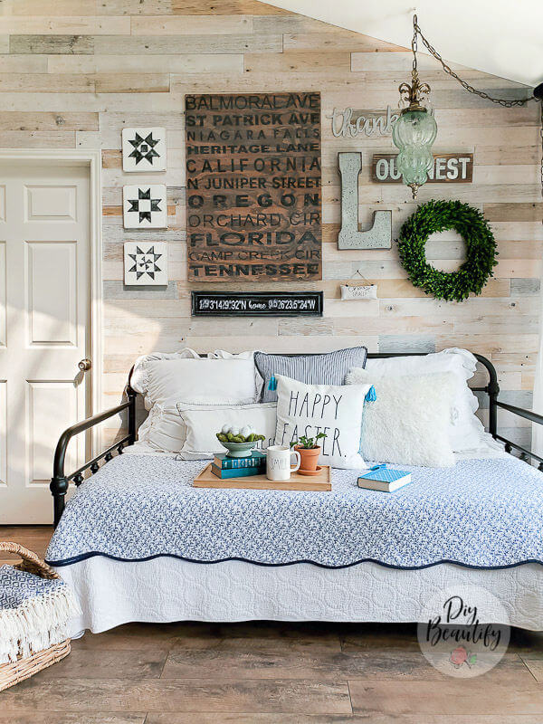 gallery wall and daybed