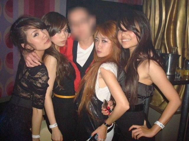 Tuyên Quang: Cậu ấm sinh viên thuê phòng sống thử với 4 nữ sinh cùng quê để quan hệ