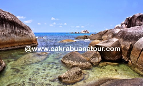 wisata Pantai Tanjung Kelayang belitung tour