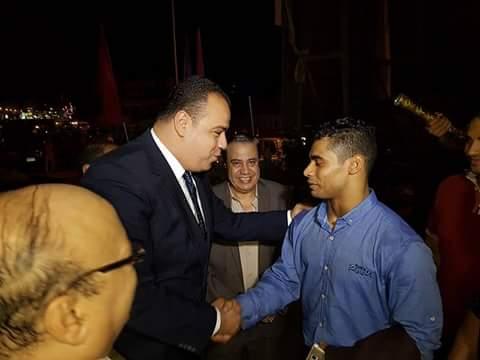 محافظ الفيوم يكرم ابن الفيوم -محمد إيهاب