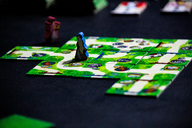 The One Hundred Torii game by Pencil First Game; Gameplay; Review; Photo by Benjamin Kocher