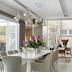 Sala de jantar contemporânea e neutra com mesa/14 cadeiras e sala de bate papo!