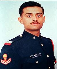 कप्तान विजयंत थापर (Captain Vijayant Thapar) की जीवनी: उम्र, एजुकेशन, परिवार |