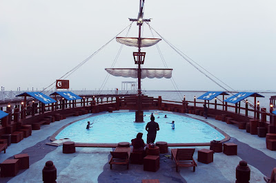 Infinity Pool di Putri Duyung Ancol