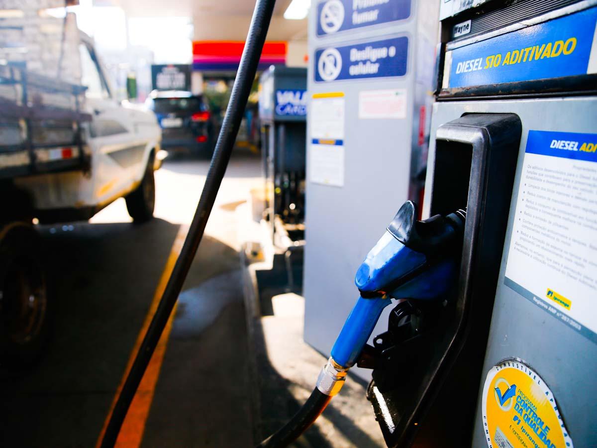 Preço do diesel fecha 2020 acima da média dos 11 últimos meses