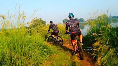 Trek Sepeda Situ Cibeureum Bekasi