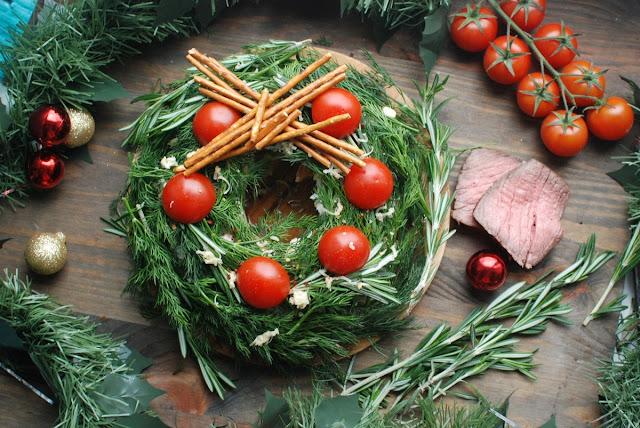 закуски новогодние, закуски рождественские, новогоднее оформление блюд, рождественское оформление блюд, лучшие новогодние салаты, лучшие рождественские салаты, Новый год, Старый Новый год, Рождество, оригинальное оформление блюд, салаты слоеные, салаты майонезные, как приготовить новогодний салат, как оформить новогодний салат, новогодний декор, новогоднее застолье, новогоднее угощение, салаты, закуски, салаты праздничные, закуски праздничные, Изумительные новогодние салаты и закуски. Рецепты и идеи оформления, блюда новогодние, блюда рождественские, стол новогодний, стол рождественский, салаты, салаты новогодние, Новый год, Рождество, еда, рецепты кулинарные, кулинария, идеи оформления блюд, коллекция рецептов, рецепты новогодние, рецепты 2017, Новый год 2017, http://prazdnichnymir.ru/