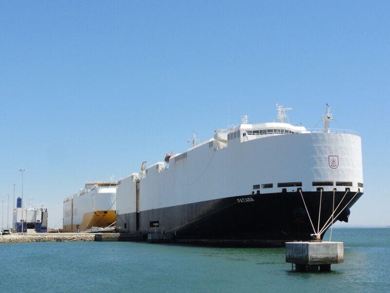 Portugal: Porto de Setúbal opera três navios em simultâneo