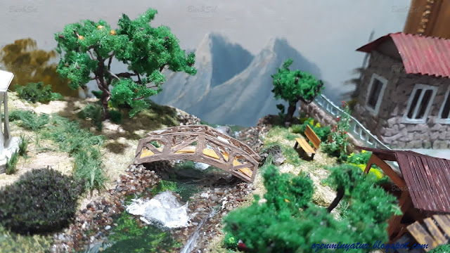 Diorama bridge