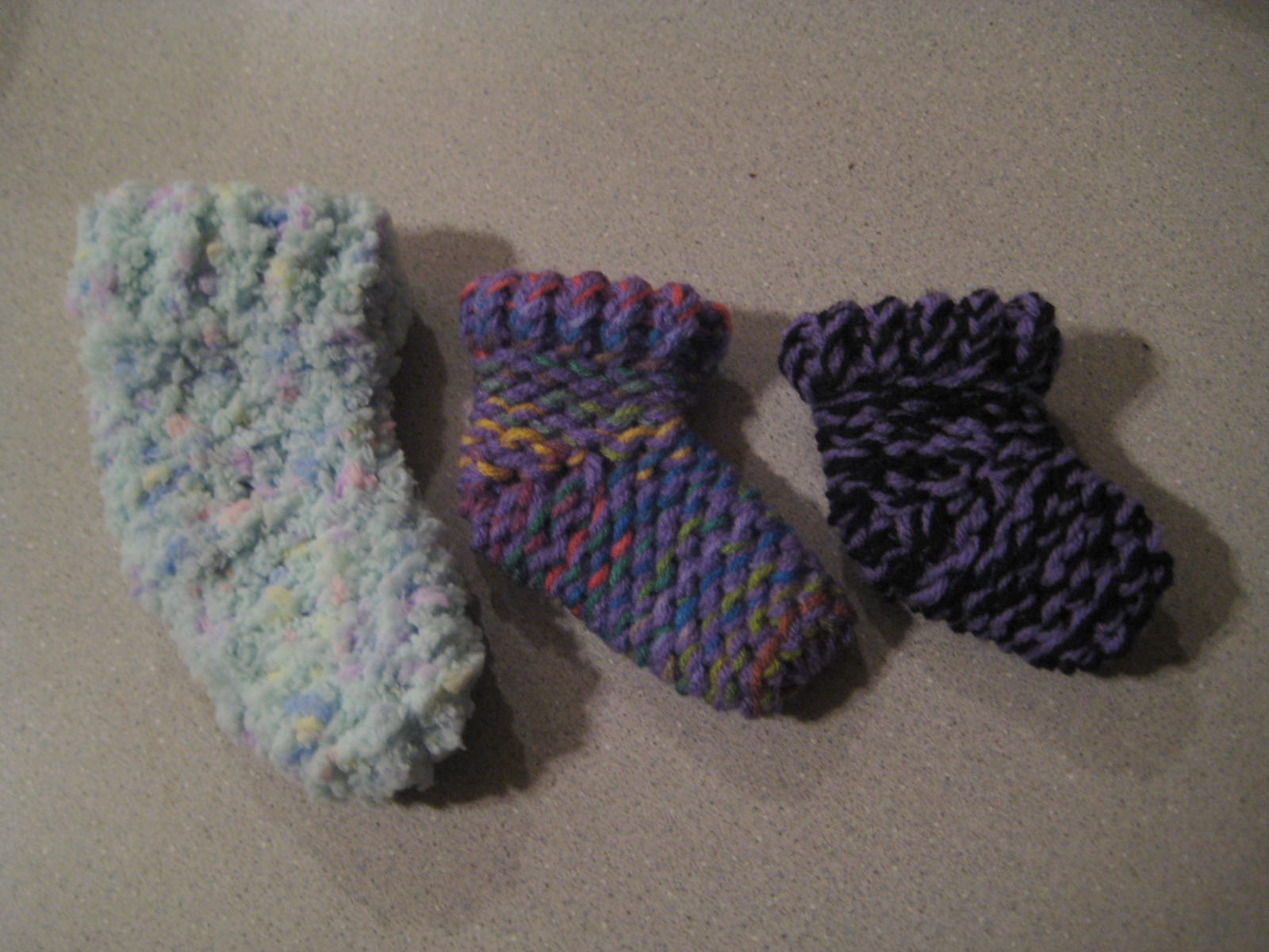 Knifty Knitter Baby Booties